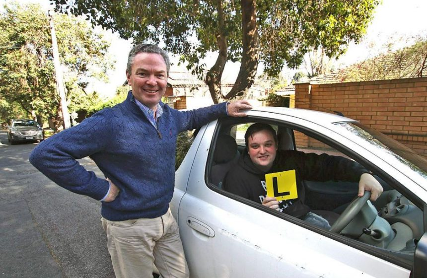 YouTube Star Takes A Driving Lesson From Christopher Pyne, Mp, Minister For Education